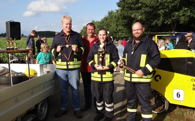"""Das Siegerteam: """"112 Feuerwehr Baven"""""""